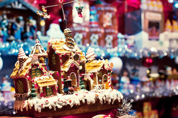 christmas market, decorated gingerbread house