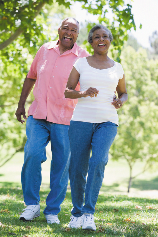 Senior-couple-walking-exercise-fitnessH1511_TSk92044507